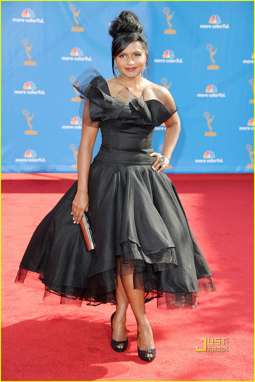 Mindy Kaling Legs http://urbanjunglefashion.wordpress.com/2010/08/31/2010-emmys-best-and-worst-dress-list/