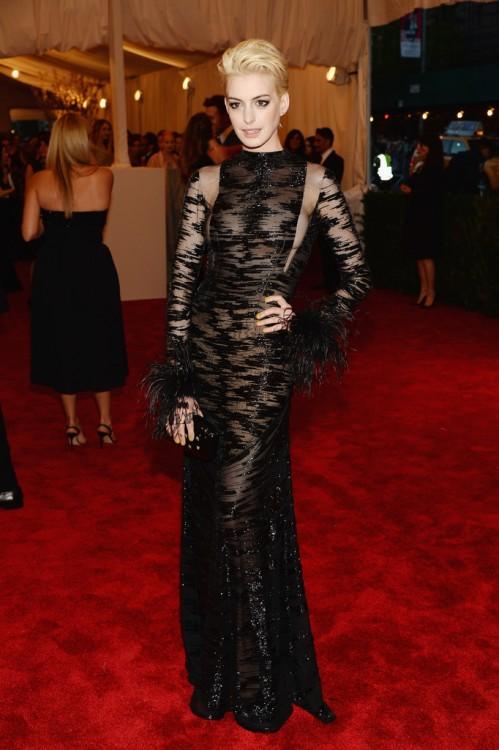 Anne Hathaway 2013 Met Gala 01